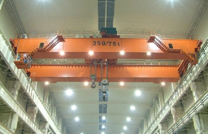 Multifunctional Travelling Overhead Crane Double Girder For Industrial Lifting Cargo
